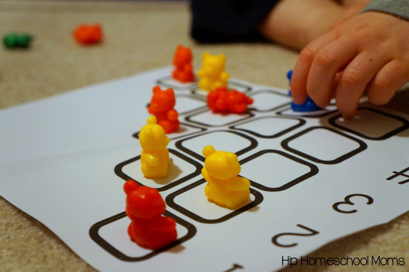 Preschool Math with Counting Bears {Free Printable!} - Hip ...
